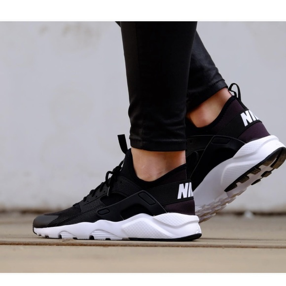 467d9d211278 Nike air huarache run sneakers